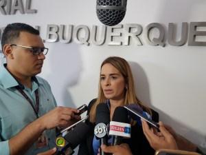 Daniella apresenta denúncia de ataques nas redes sociais ao MPF