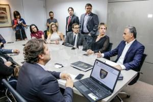 Lucélio debate plano de segurança pública com delegados