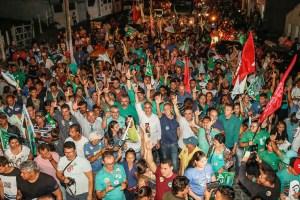 População de Aroeiras lota as ruas para receber Lucélio Cartaxo