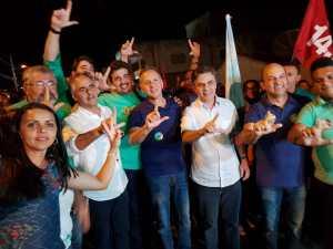 Aguinaldo visita Cacimba de Dentro, Araruna e encerra atividades da sexta com caminhada e grande comício em Aroeiras