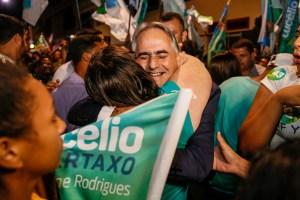 """""""Vamos trabalhar com união e carinho para Campina Grande ter mais segurança e oportunidades"""", diz Lucélio em debate"""