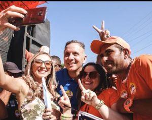 Aguinaldo Ribeiro percorre quatro cidades do Sertão em sábado movimentado, repleto de apoios e adesões