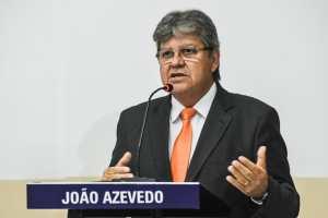 Durante debate, João garante urbanização do Açude Grande, mostra Saúde Já e R$ 107 milhões investidos em Cajazeiras