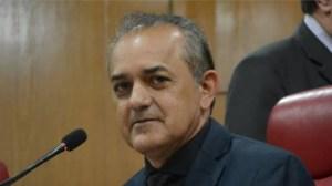 Vereador apresenta PLO que coloca nome de filho de secretária no Centro de Educação Integrada em Mangabeira