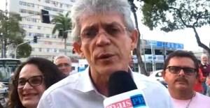 Em ato pró-Haddad, Ricardo diz que Bolsonaro não tem capacidade mínima de administrar sequer uma cidade