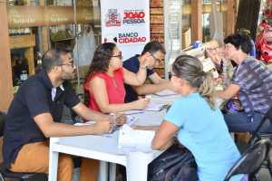 Banco Cidadão cadastra e oferece crédito aos comerciantes prejudicados com incêndio na Expofeira