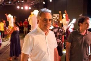 Luciano Cartaxo prestigia festival 'Bonecos do Mundo' no Parque da Lagoa, que recebeu milhares de famílias