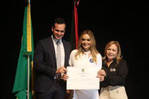 """Daniella Ribeiro: """"Dedico este diploma a cada paraibano que votou em mim"""""""