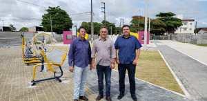 Luciano Cartaxo visita obras de nova praça do Geisel e entrega está prevista para os próximos dias