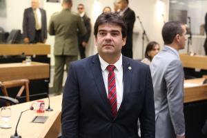 Eduardo Carneiro cobra afastamento de secretários envolvidos em escândalo da Cruz Vermelha