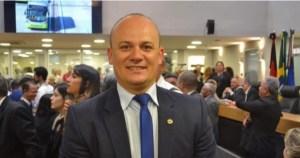 Deputado estadual novato doa primeiro salário ao Hospital Napoleão Laureano