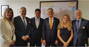 Aguinaldo recebe prefeito paraibano e Associação Brasileira de Franchising em Brasília