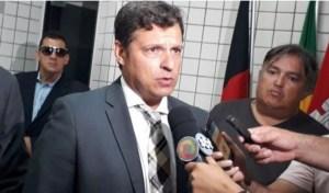 Vítor Hugo diz que confissão de Leto Viana é criminosa e tenta prejudicá-lo politicamente