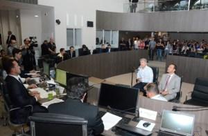 Polícia Federal indicia Roberto Santiago, Leto, Luceninha, Vítor Hugo, Fabiano Gomes e mais 13 pessoas no bojo da Xeque-Mate