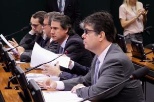 Ruy recebe apoio de parlamentares no pedido de transparência na Reforma da Previdência