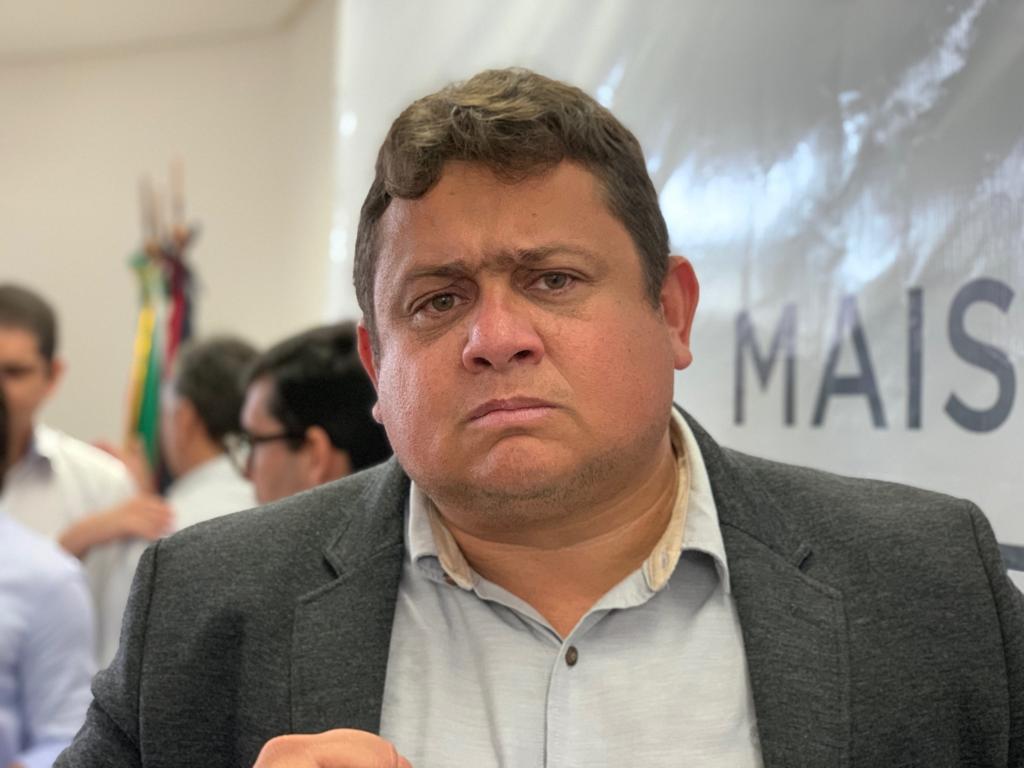 Wallber Virgolino critica visita de Ricardo a Lula e diz que ex-governador se transformou em bajulador de ladrão