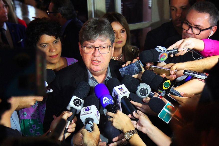 Opinião: João imprime estilo próprio à gestão e diminui forças de Ricardo no governo