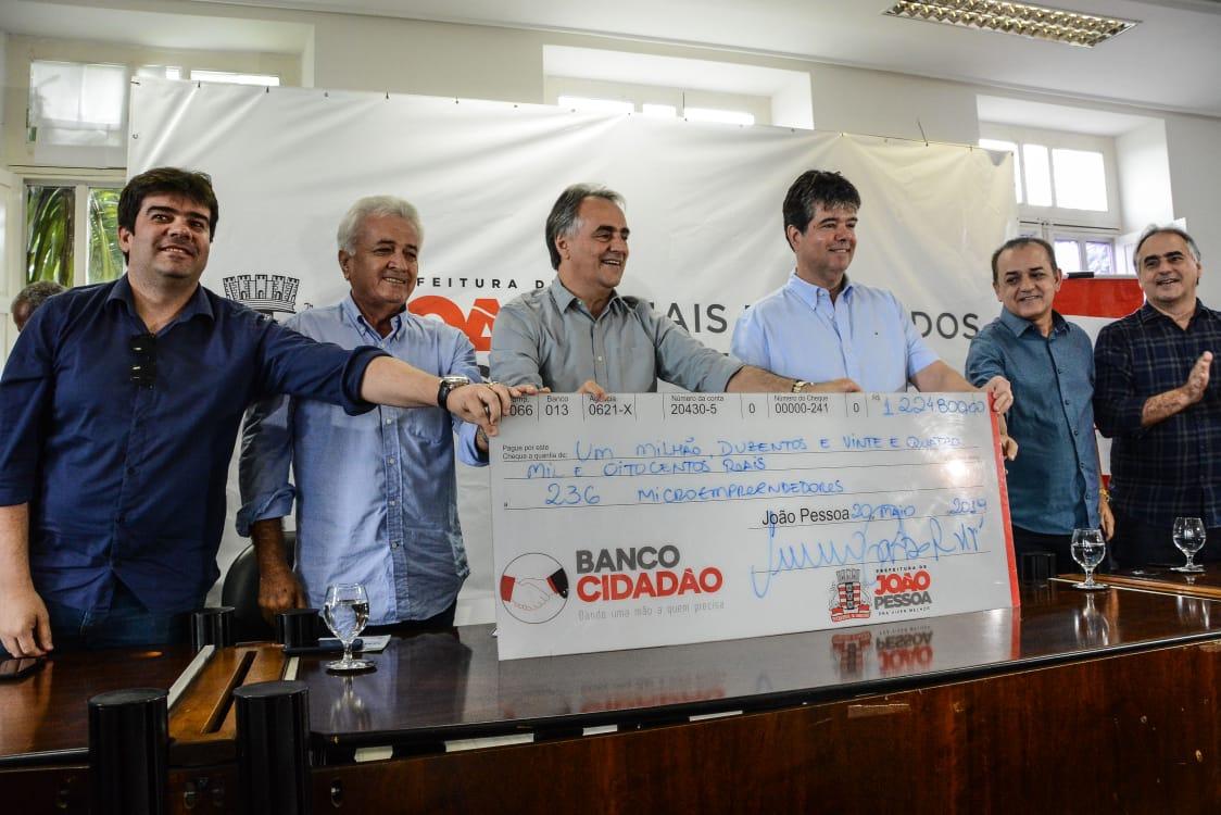Cartaxo libera microcrédito do Banco Cidadão e gestão se aproxima dos R$ 50 milhões investidos na economia criativa e pequenos empreendedores