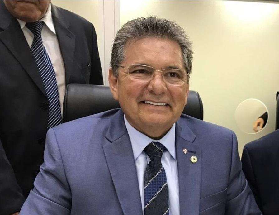 BASTIDORES: Em tom descontraído, João Azevêdo e Adriano Galdino demonstram sintonia na reunião com G10
