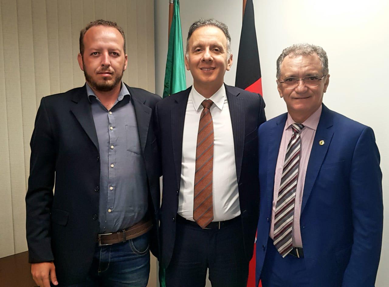 Aguinaldo recepciona Galego Souza em audiência em Brasília para tratar de liberação de recursos para cidades do Sertão paraibano