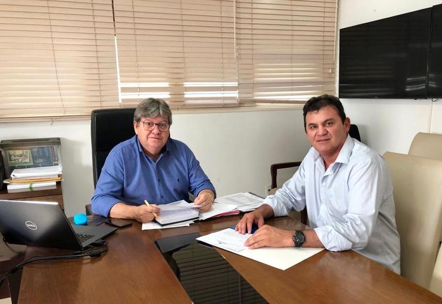 Em reunião com João Azevêdo, deputado Doda de Tião apresenta pleitos para diversos municípios paraibanos