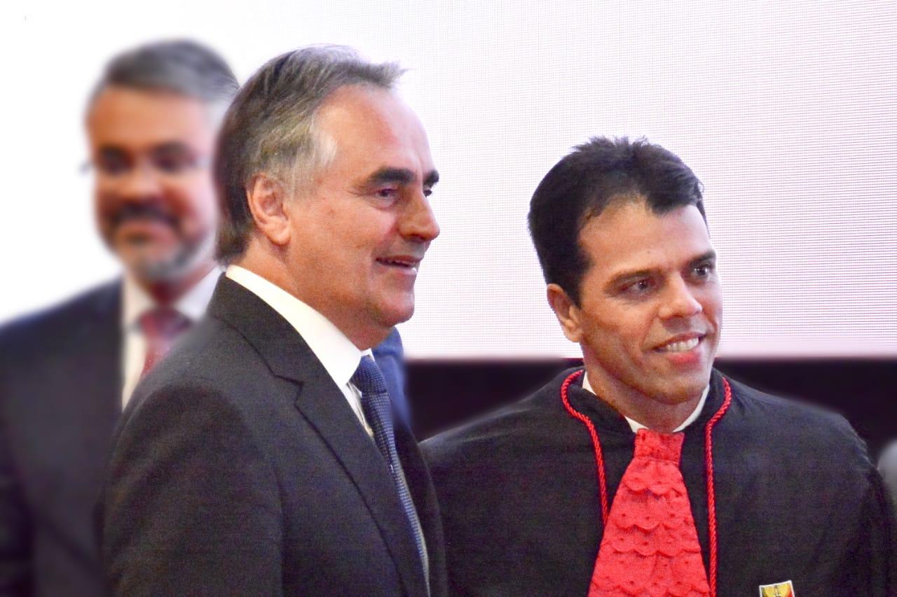 Luciano Cartaxo prestigia posse de Francisco Seráphico como procurador-geral do MPPB