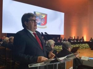 João Azevêdo destaca escolha democrática por Seráphico e prega harmonia e respeito entre Poderes