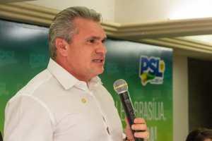 Julian Lemos denuncia gastos de mais de R$ 9 milhões apenas com assessores no gabinete de Romero Rodrigues