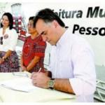 Luciano Cartaxo libera R$ 1,7 mi em microcrédito e Banco Cidadão supera R$ 50 mi em investimentos