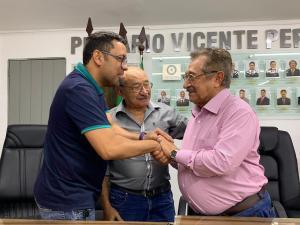 Jefferson Kita é recebido com destaque por Zé Maranhão e Expedito Pereira em evento do MDB de Bayeux