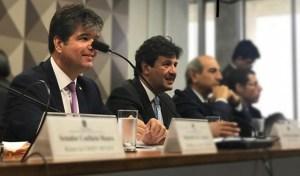 Ruy tem reunião de trabalho com ministro da Saúde para reforçar o Médicos pelo Brasil
