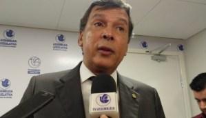 Ricardo Barbosa culpa Estela e Cida pelo racha no PSB paraibano