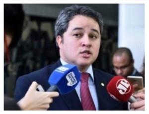 """Efraim Filho rejeita nova CPMF e sentencia: """"É um assunto natimorto"""""""