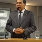 Líder do governo critica Ricardo por desrespeito aos deputados e diz que ex-governador tem rompantes de vaidade e egocentrismo