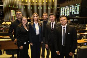 Daniella Ribeiro recebe segunda turma do projeto Você no Senado, em Brasília