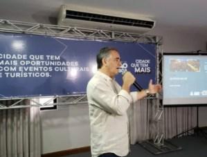 Luciano Cartaxo anuncia programação para o final de ano na Capital com Padre Fábio de Melo, Aline Barros e Mano Walter
