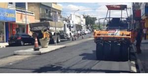 ASFALTO NA RUA: Prefeitura de Guarabira realiza programa de asfaltamento em diferentes localidades e prefeito Marcus Diogo comenta importância da ação