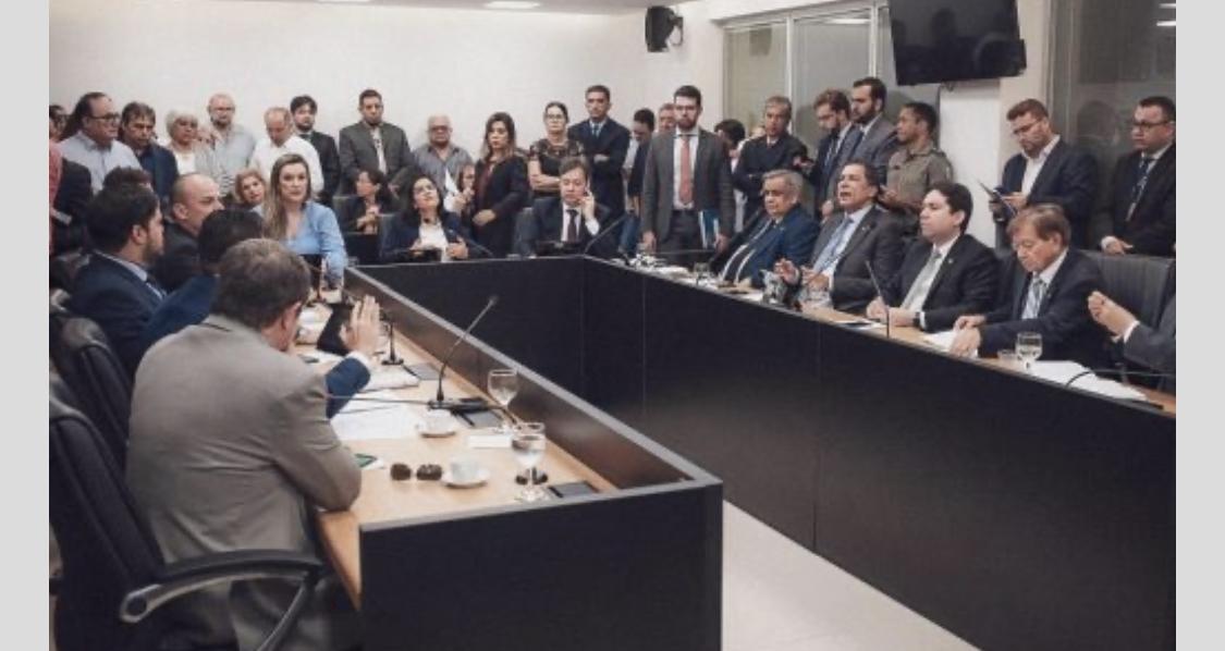 Reunião dos deputados na Comissão e Constituição e Justiça da Assembleia Legislativa da Paraiba