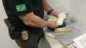 Ministério Público suspeita que Ricardo Coutinho tenha enterrado parte da fortuna adquirida através de propina, diz colunista Lauro Jardim