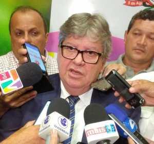 João Azevêdo nomeia professores aprovados em concurso da educação na Paraíba