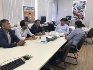 """Após reunião na secretaria de Educação, prefeito de São José de Espinharas comemora conquistas: """"Fruto de parceria"""""""