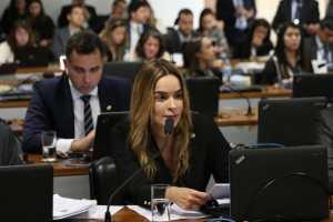 Daniella defende pensão vitalícia para crianças com microcefalia decorrente do Zika Vírus