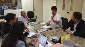 Ruy Carneiro destaca recursos para modernizar radioterapia do Hospital Napoleão Laureando