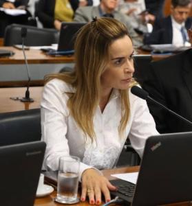 Daniella Ribeiro inclui Bombeiros e brigadistas entre as prioridades para teste da Covid-19