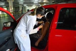 PMJP vacina idosos que precisam de atendimento em casa e segue com três pontos de Drive Thru abertos nesta segunda-feira