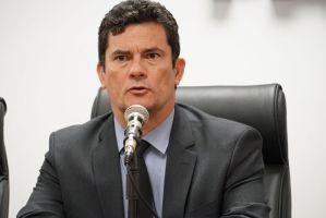 Ao anunciar demissão, Moro diz que Bolsonaro queria mexer na PF para ter acesso a relatórios de inteligência