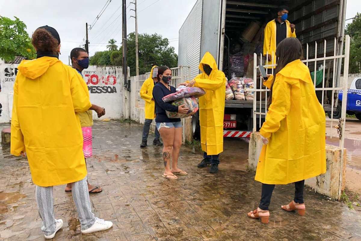 Chuvas já ultrapassam os 200 milímetros e 11 secretarias estão de plantão para monitorar e amenizar efeitos das fortes precipitações