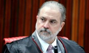 PGR contraria STF e diz que Bolsonaro pode decidir sobre fim do isolamento