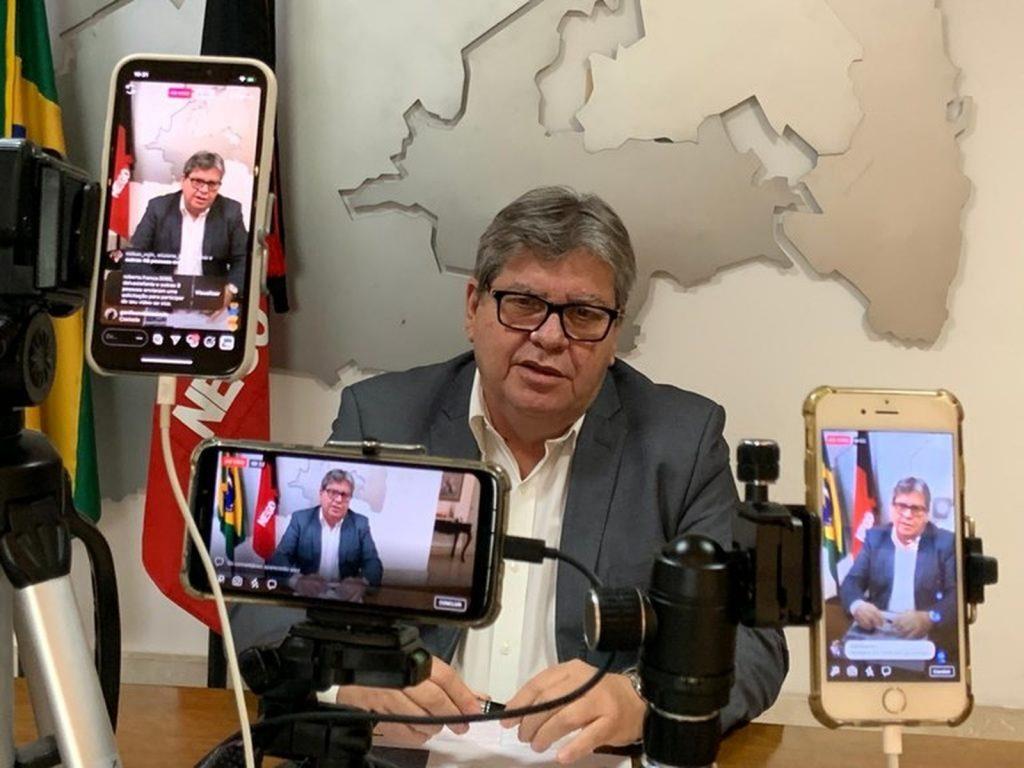 João Azevêdo reúne prefeitos e defende rodízio de veículos na Região Metropolitana