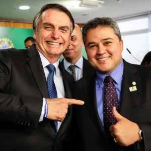 Efraim articula e Bolsonaro sanciona recursos de R$ 10 milhões para retomada das obras no Complexo de Piscicultura de Bananeiras